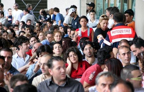 Lavoro, meno di un italiano su due è occupato
