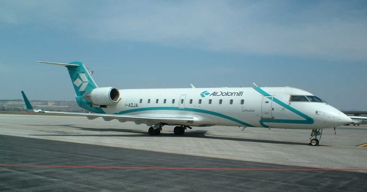 Air Dolomiti: assunzioni per assistenti di volo