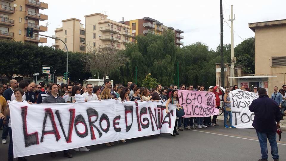 Almaviva: anche Renzi a Palermo per la protesta degli operatori a rischio licenziamento