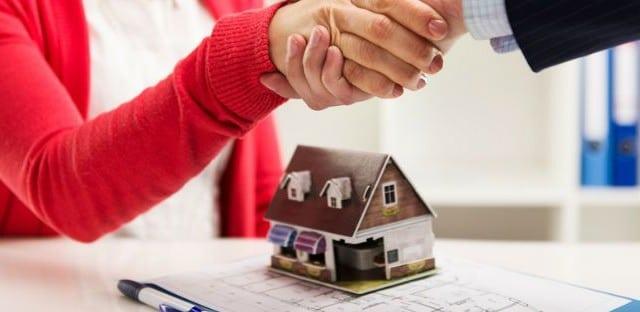 Mutui on line, perché non conviene stipularli in valuta straniera: i rischi
